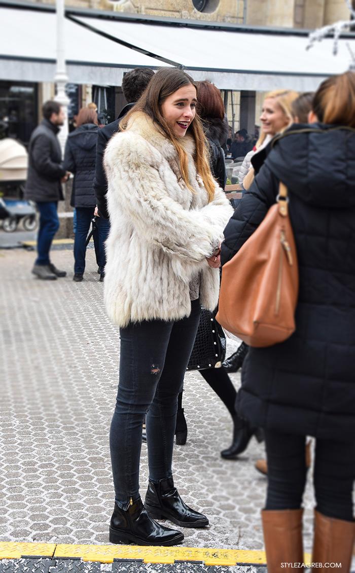 Kako stilizirati bundicu i poderane traperice, Advent Zagreb street style moda