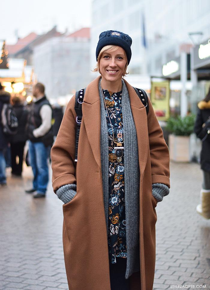 Moda, stil: Lana Radnić, H&M showroom managerica, zimski stajling oversized predimenzionirani kaput u boji devine dlake, beanie, street style ulična moda Zagreb. Ana Josipović blog