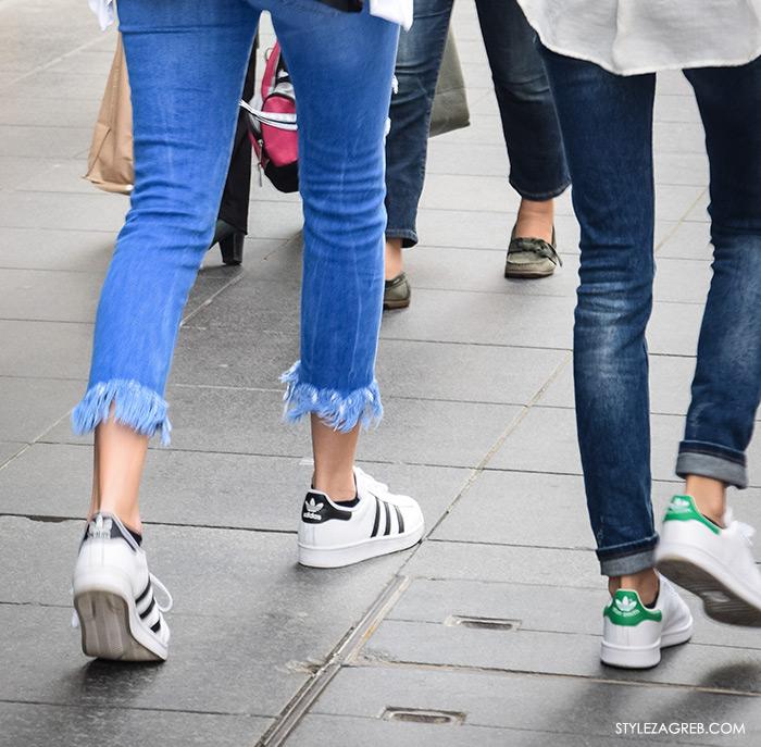 Kako kombinirati bijele tenisice 2016 Stan Smith Adidas tenisice i traperice odrzanog, cufanog ruba, street style proljetna ulična moda Zagreb