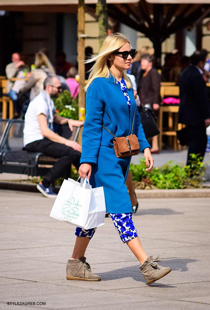 cro moda street style zagreb danas, Karla Anić ulični stil Zara popularna torba i plavi kaput, žena ulična moda fashion hr zagrebačka špica modne kombinacije trend portal zena hr