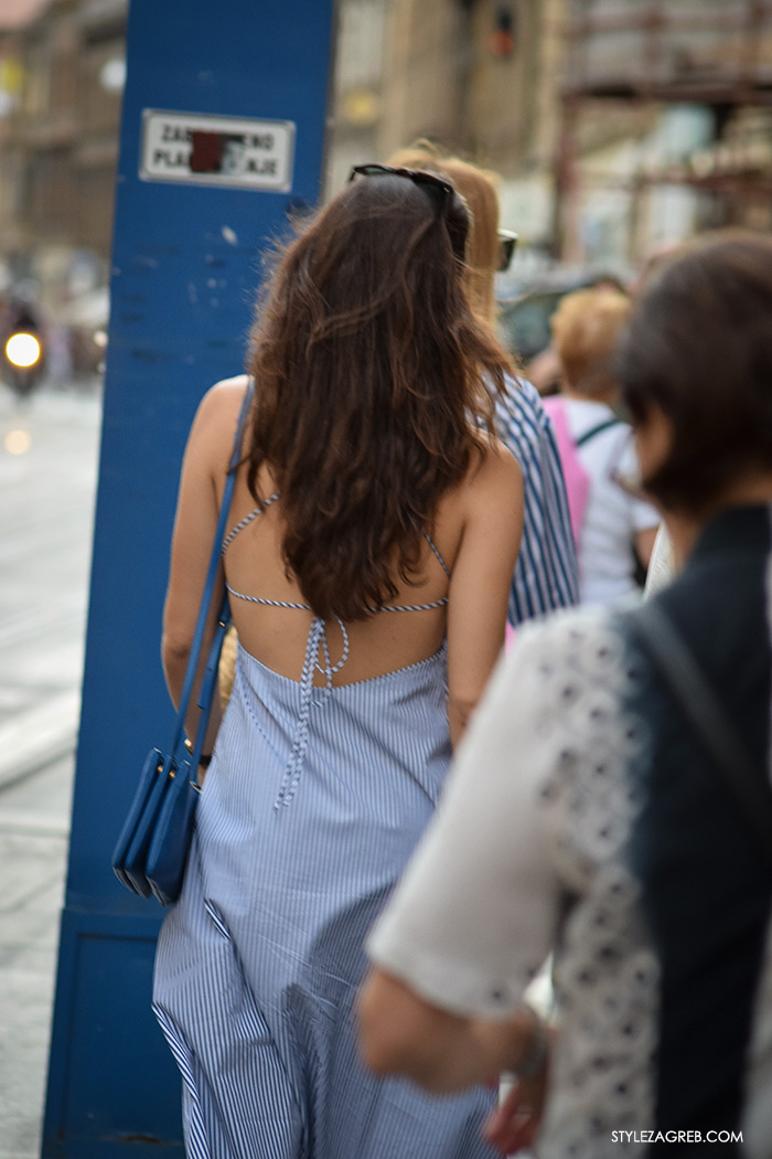 Street style Zagreb, Liza Tedeschi, ljetna moda kako nositi prugasta haljina gola leđa