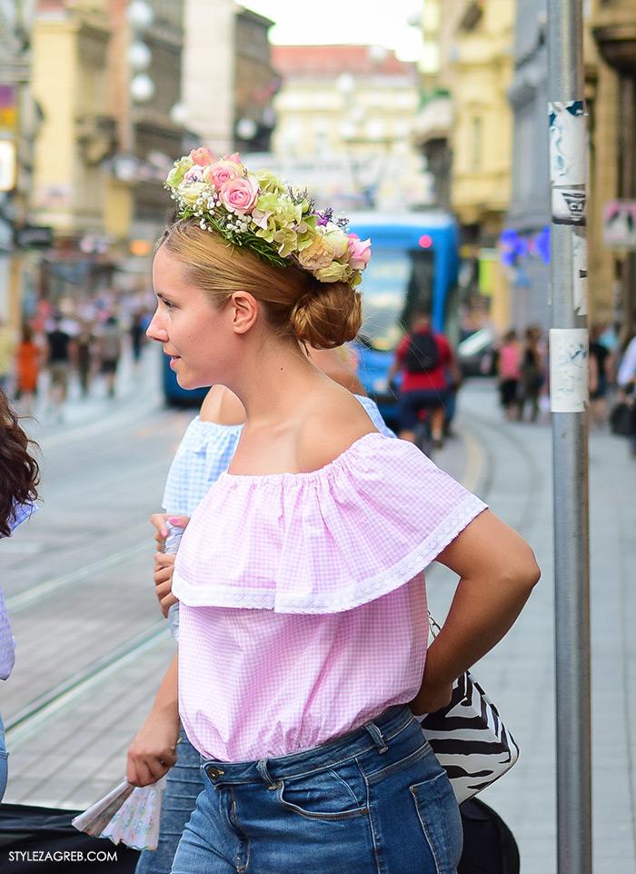 Street style Zagreb ljeto, djevojke u topićima off the shoulder gola ramena i cvjetni vjenčići, Tamara Pešić, Marta Pešić, Iva Pešić, Mirjana Zrno, instagram