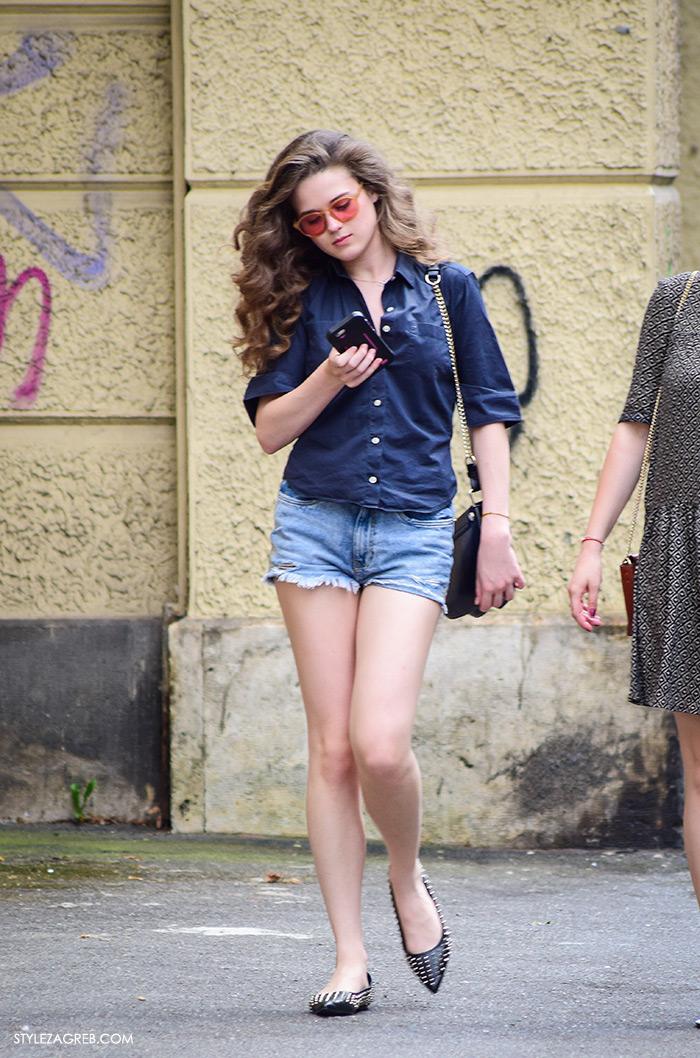 Ljeto ženska moda zagrebačka špica, street style Zagreb, traper košulja, traper šorc