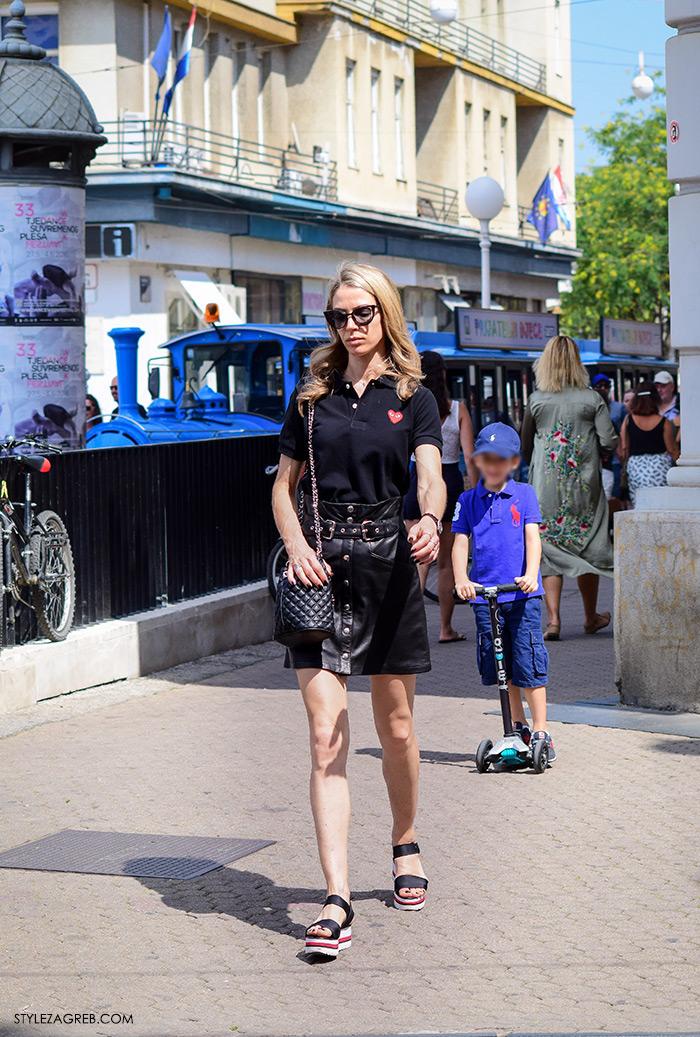 Ljeto ženska moda zagrebačka špica, street style Zagreb, kako nositi crnu kožnu minicu i platforma sandale, elegantan look