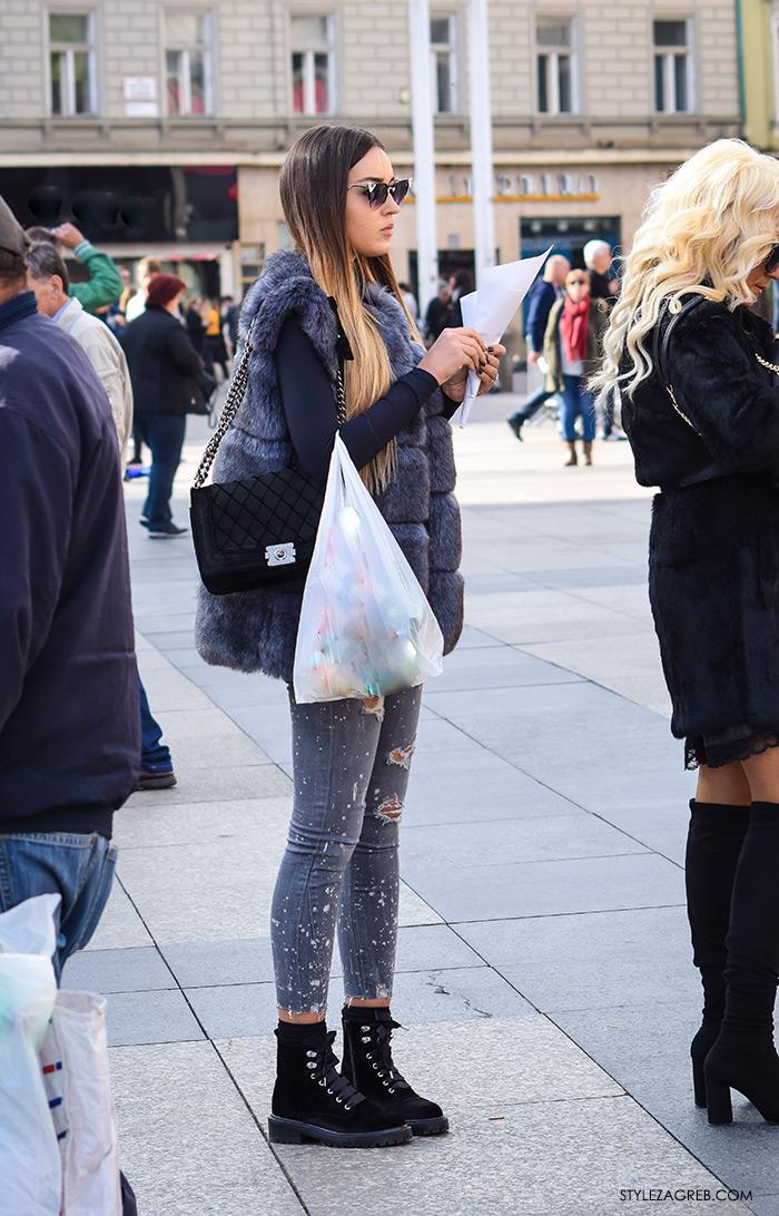 Moda jesen zima 2016 street style Zagreb, špica, subota, kombinacija krzneni prsluk, mačkaste sunčane naočale i Zara čizme na vezanje od baršuna