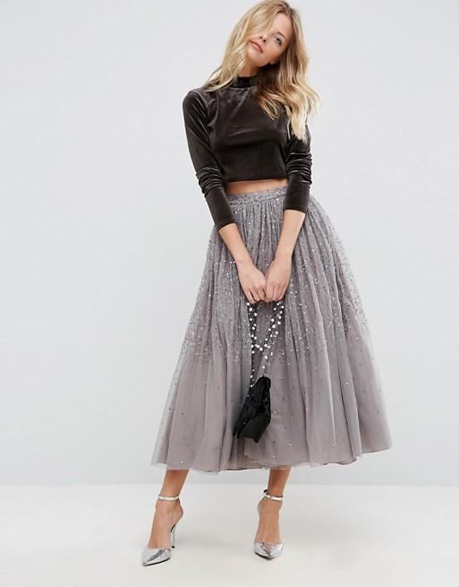 Ova divna tulle suknja prošivena šljokicama. Gdje kupiti midi skuknju od tila, ženska svečana moda
