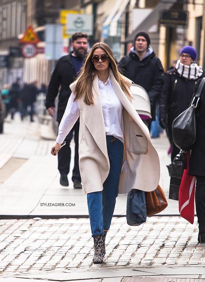 Anamaria Šebetovsky Instagram - Cvjetaste gležnjače - veliki proljetni trend, Style Zagreb, street style Zagreb Croatia how to wear flower ankle boots white shirt and jeans