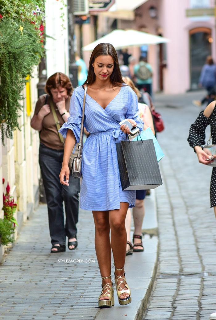 Paula Vuko Instagram fotka plava haljinica, Paula Vuko Instagram plava haljina na preklop zlatne flatforme na vezanje Guliver Style Zagreb