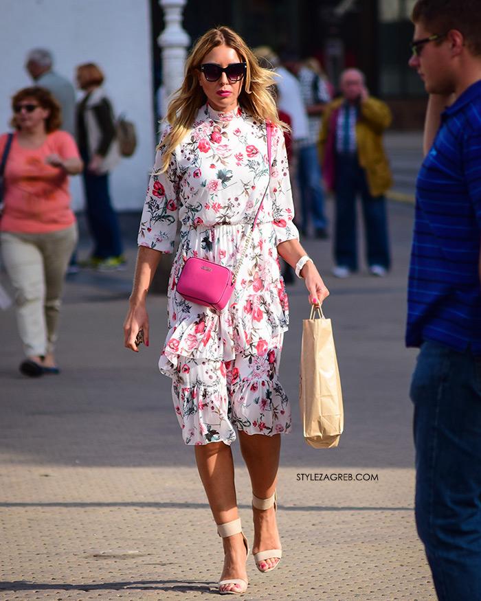 Rujanska špica vrvi jesenskim trendovima Street style Zagreb jesenska ženska moda lijepe cure Michael Kors roza mini torbica