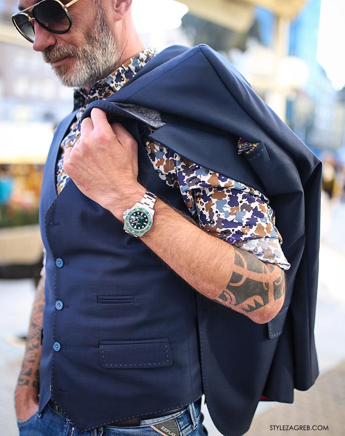 Kontrolor leta s tetovažama u finom odijelu