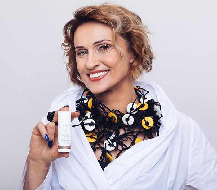 Dr. Hauschka Regenerativna intenzivna njega zrela koža Almira Osmanović