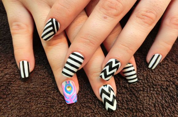 zebra stripes nail design art