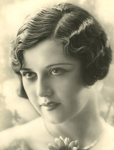 1920s Finger waves hair