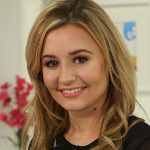 Contouring makeup for women at 40
