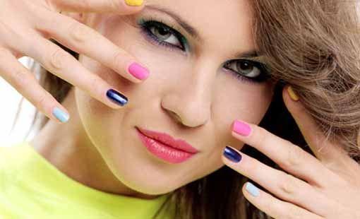 women makeup in 20's
