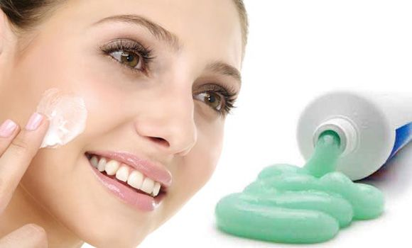 Toothpaste to remove pimple