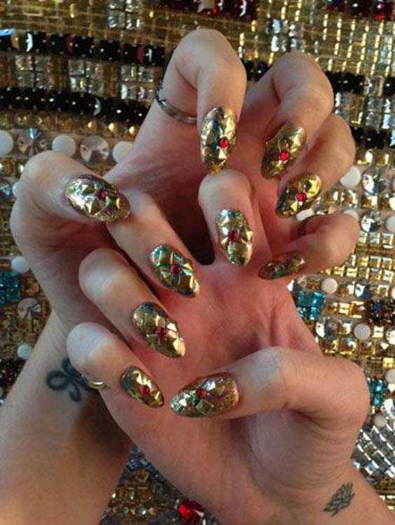Celebrity Punk Nail Arts and Nail Designs