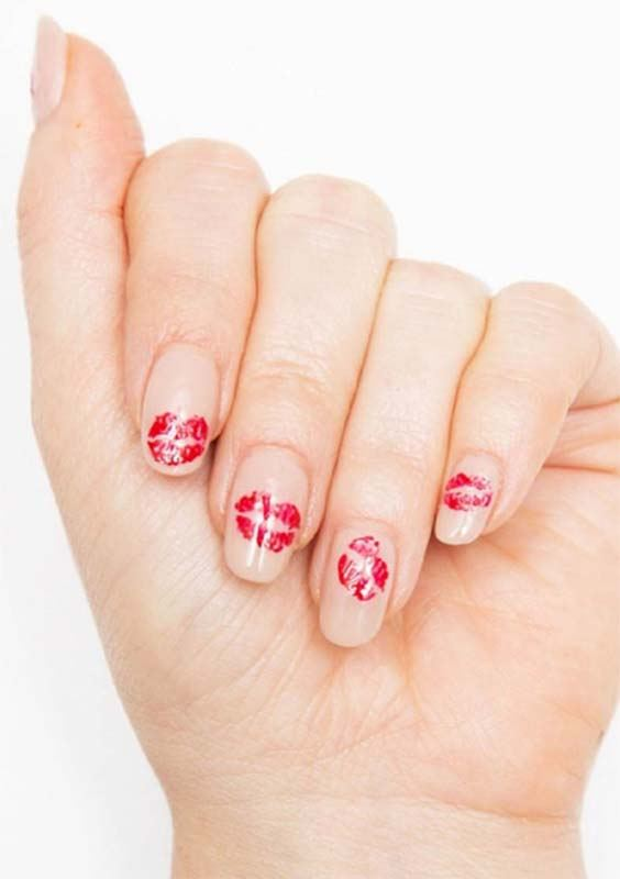 Kiss Prints Nail Arts and Nail Designs