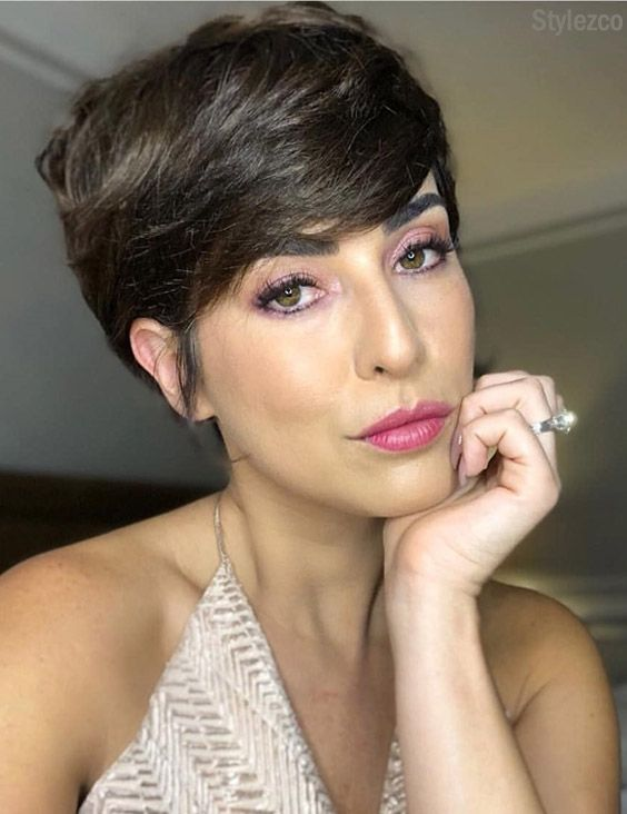 Perfect Ideas of Short Haircuts & Makeup for 2018-2019