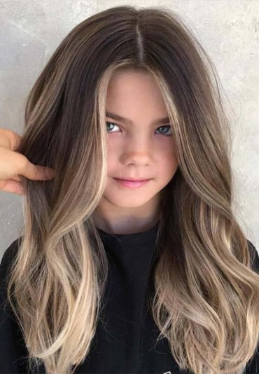 Graceful Long Hairstyle for Teenage Girls in 2019