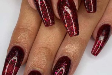 Fresh Acrylic Nail Designs to Copy in 2019