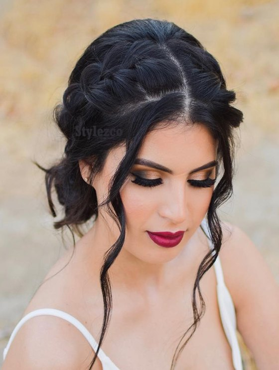 Perfect Medium Curly Hairstyle Ideas for Girls In 2019