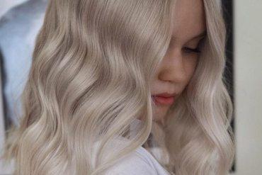 Platinum Blonde Hair Ideas for Medium Hair