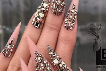 Stunning Nail Designs & Look for 2019 Ladies