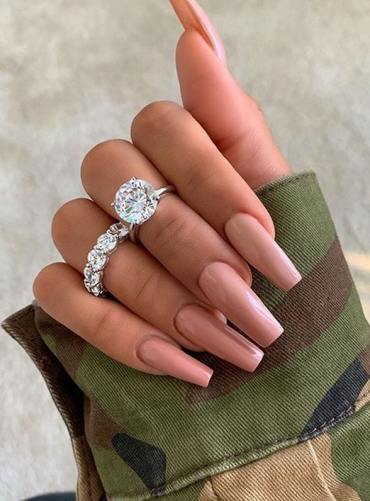 Chic Nail Arts and Images to Follow in Current Year