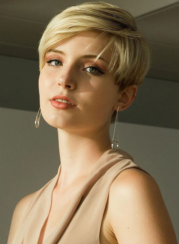 Cutest Pixie Haircuts with Side Bangs for Women in 2020