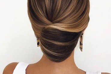 Modern Ideas of Wedding Hairstyles for 2020 Bridal