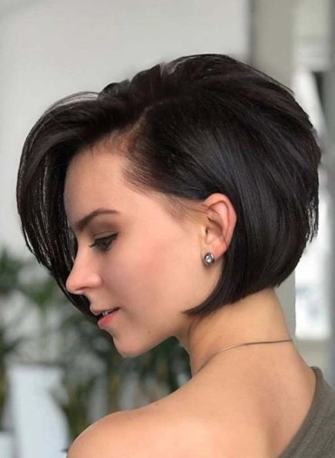 Best Ever Short Haircuts for Women to Show Off in Year 2020