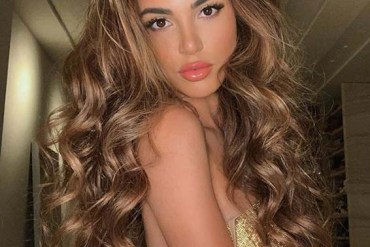 Long Wavy Hairstyles for Women to Show Off in Year 2020