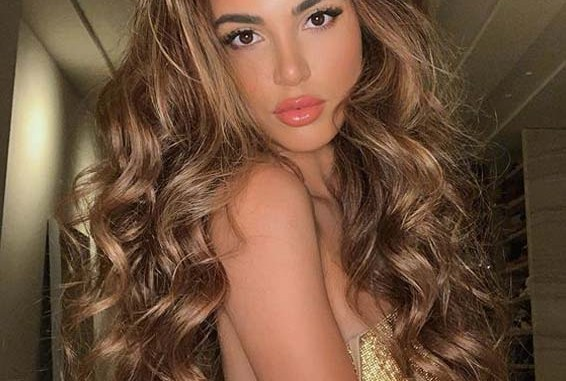 Awesome Long Wavy Hairstyles For Women To Show Off In Year 2020 Stylezco