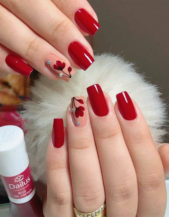 The Extra Ordinary Manicure Ideas for Bold Look