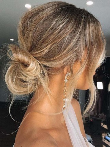 Effortless updo Hairstyles to Sport in Year 2020