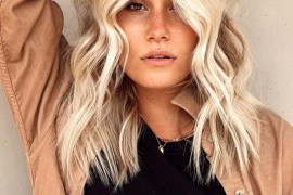 Perfect vanilla beach blonde hair Styles for Women 2020