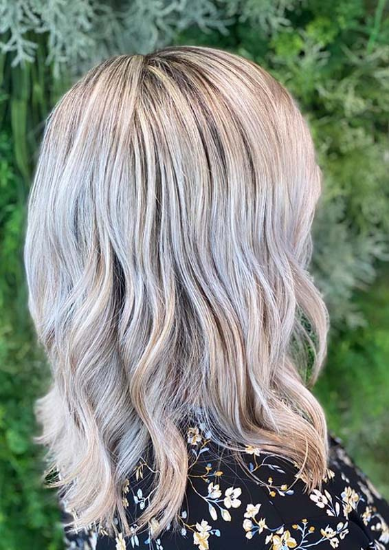 Awesome Blonde Hair Colored Waves for Women