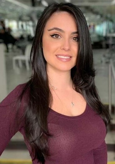 Glorious Long Black Hairstyles for Ladies to Try in 2020