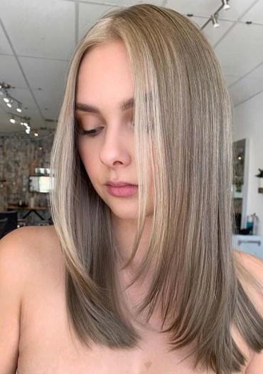 Latest Medium to Long Sleek Hairstyles for Ladies in 2020
