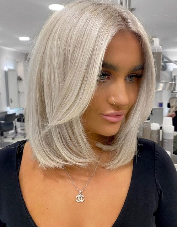 Charming Style of Medium Blonde Hair for Trendy Look