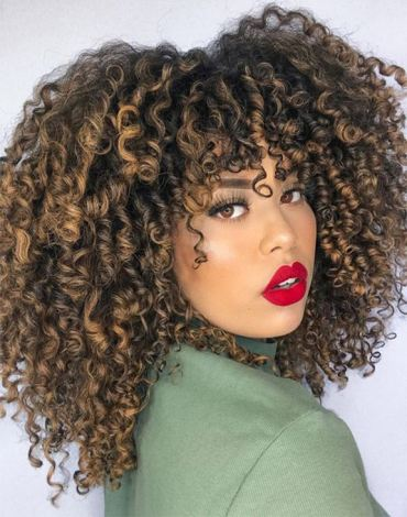 Best Style of Curly Hairstyles & Beauty Look for 2021