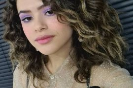 Best & Latest Style of Curly Hair for 2021