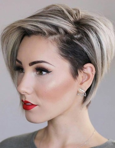 Awesome Short Hair & Highlights In 2021