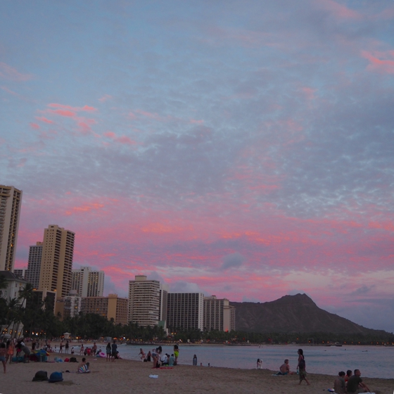 Sunset Waikiki | 17 tips for travelling to Hawaii if you're a newbie