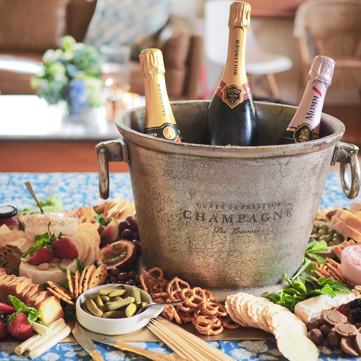 How to organise and host a Champagne Club