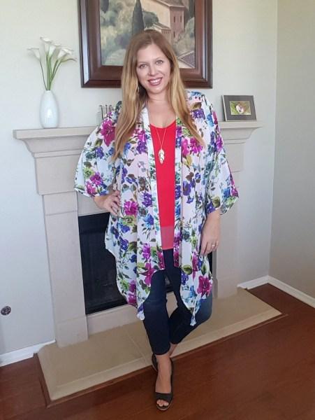 Stitch Fix May 2017 Review - Paradigma Gwenifer Kimono and Prosperity Tabetha Capri Skinny Jeans #stitchfix #fashion #style