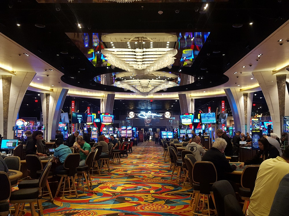 Hollywood Casino Brings Vegas to San Diego #sandiego #hollywoodcasino #restaurants
