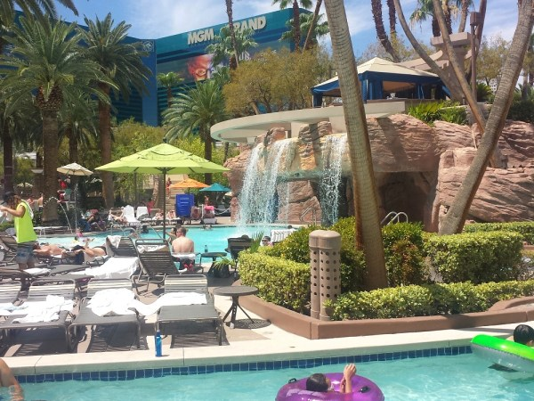 5 Affordable Family Vacation Ideas #Vegas #MGMGrand #travel #family
