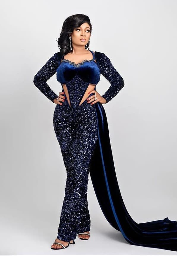 Gorgeous and Fascinating Lace/Sequines Jumpsuit Styles